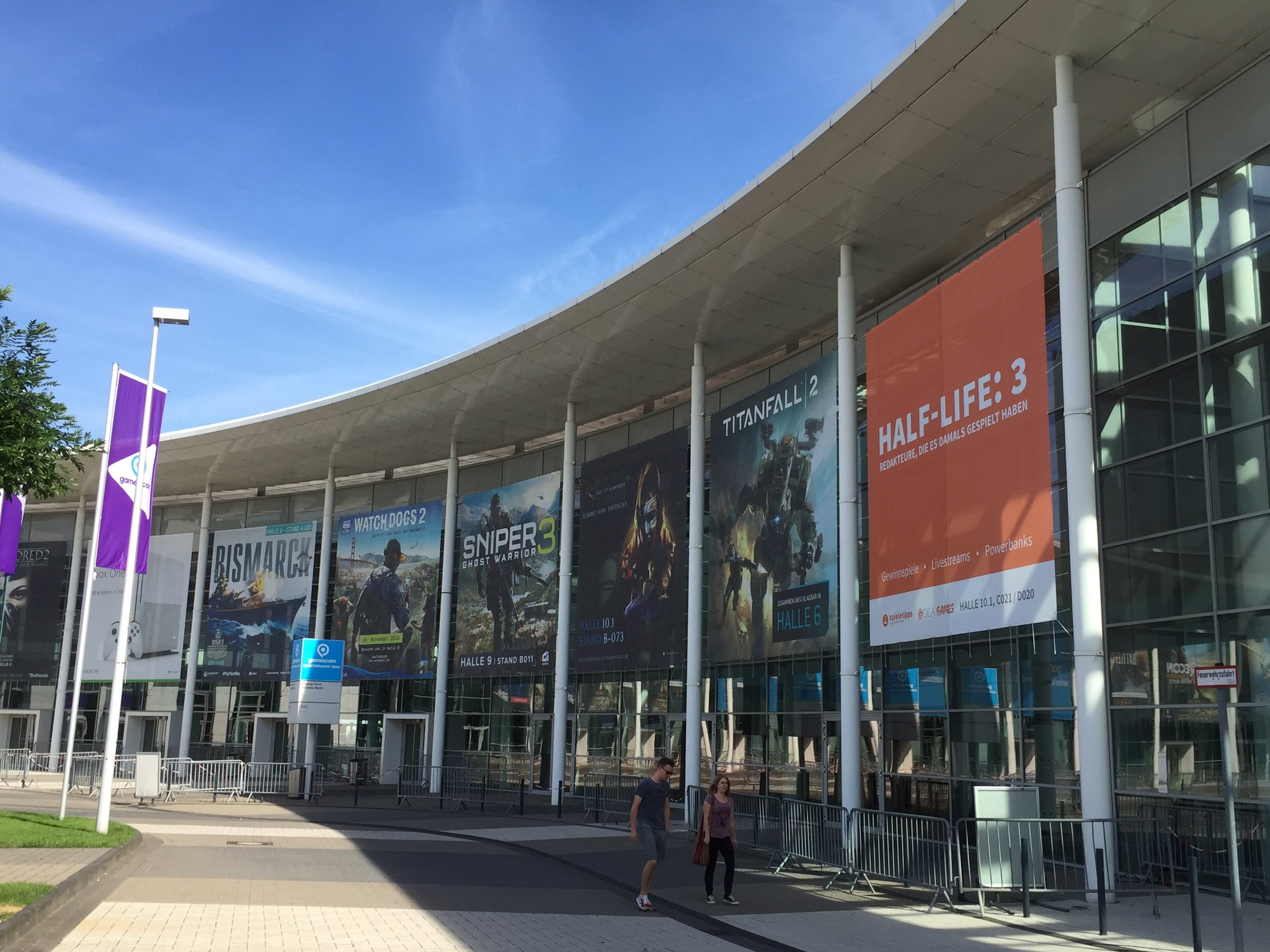 Half-Life 3 posters appear at Gamescom