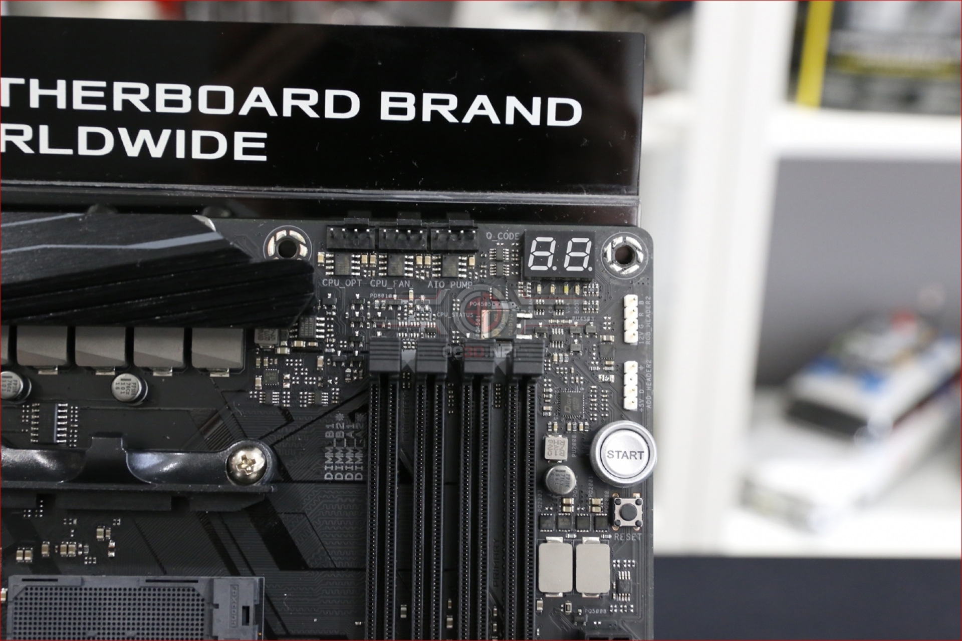 ASUS ROG X470 Crosshair VII Hero Review | Up Close | CPU