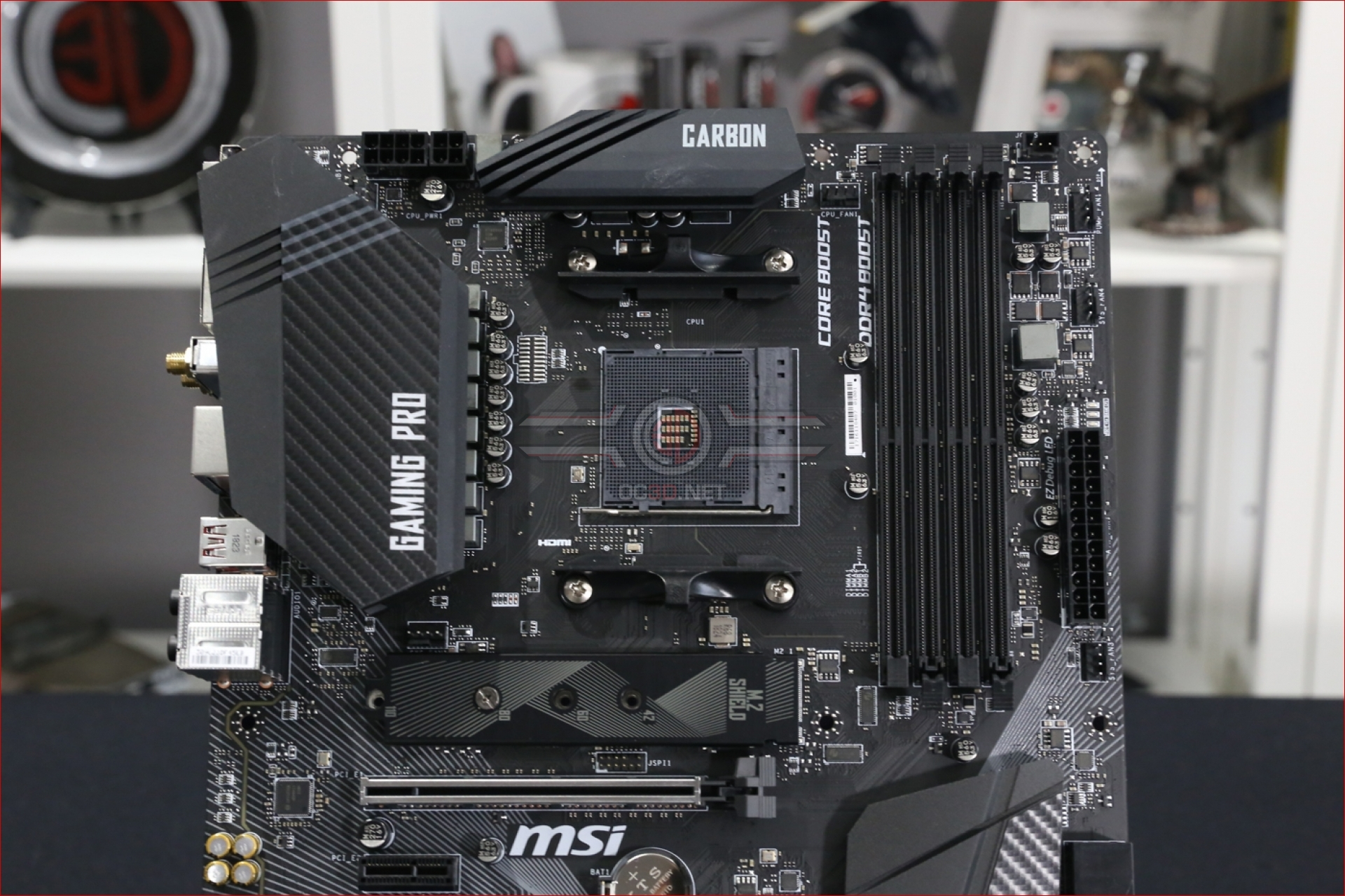 MSI B450 Gaming Pro Carbon AC Review | Up Close | CPU & Mainboard