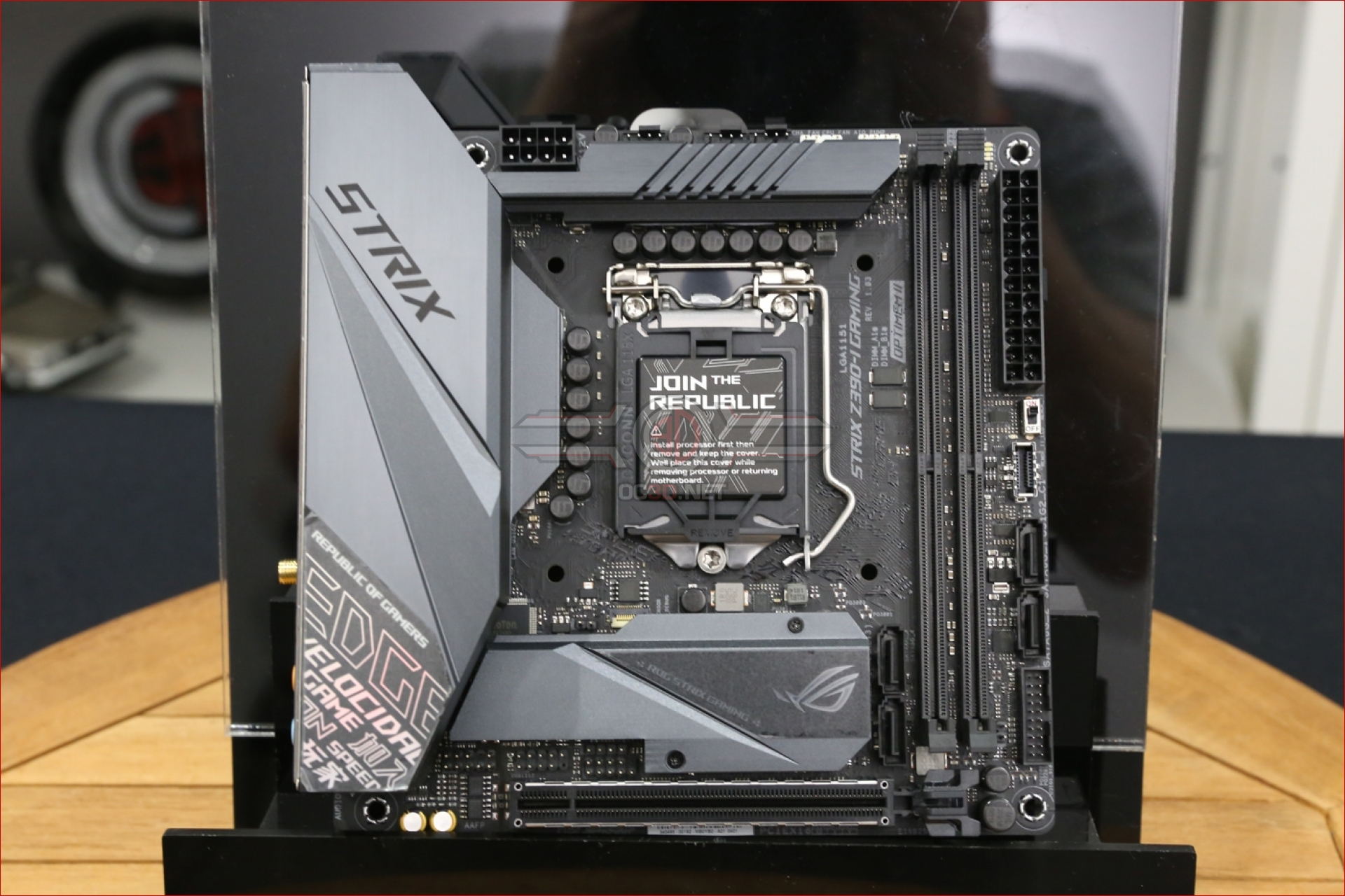 ASUS ROG Z390-I Strix ITX Preview | Introduction and Up
